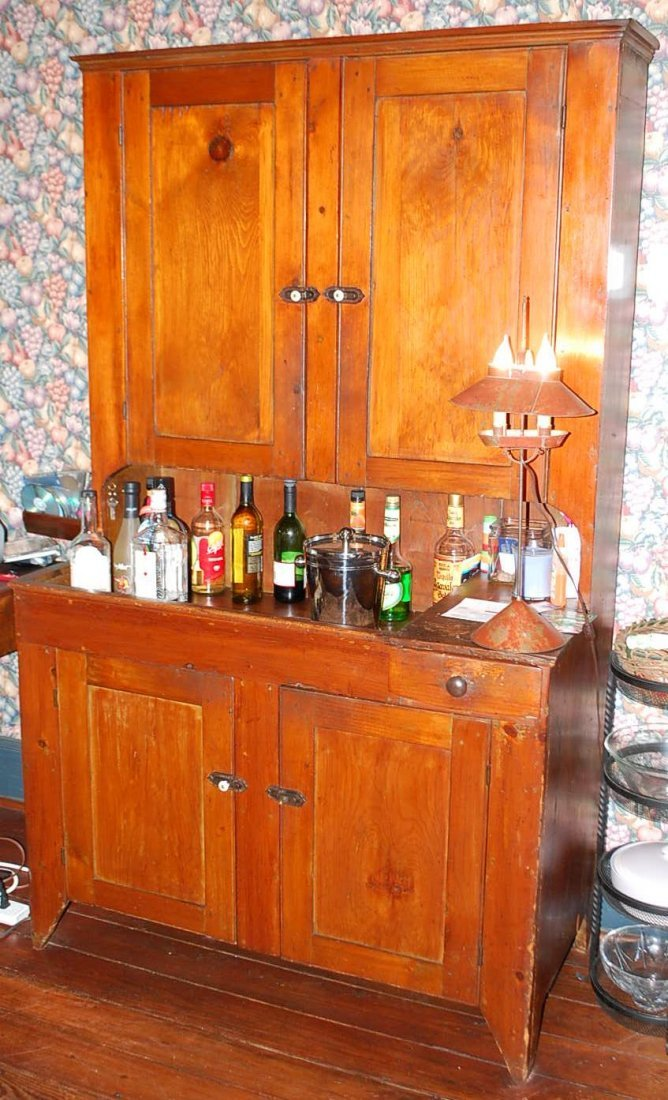 EARLY DRY SINK HUTCH