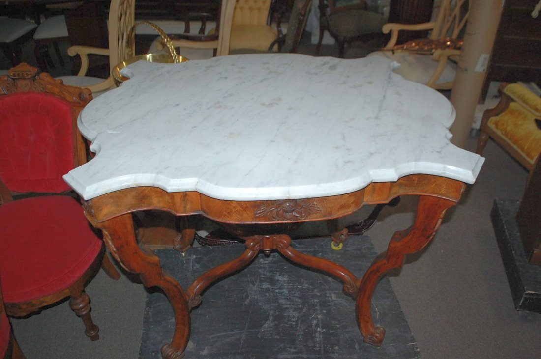 TURTLE TOP MARBLE VICTORIAN PARLOR TABLE