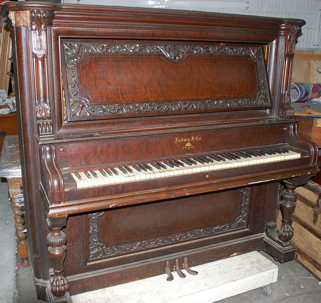 LUDWIG & CO NEW YORK UPRIGHT PIANO