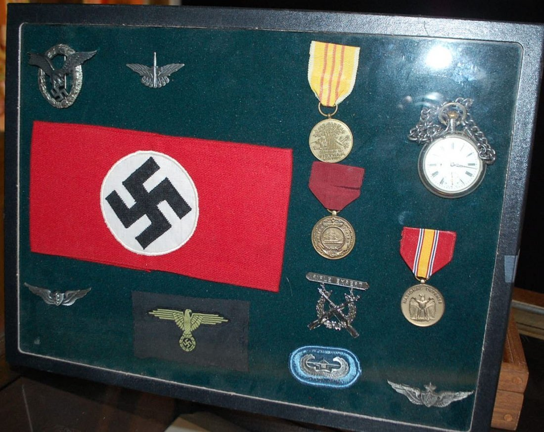 GERMAN MEDALS, & COLLECTIBLES SHADOWBOX