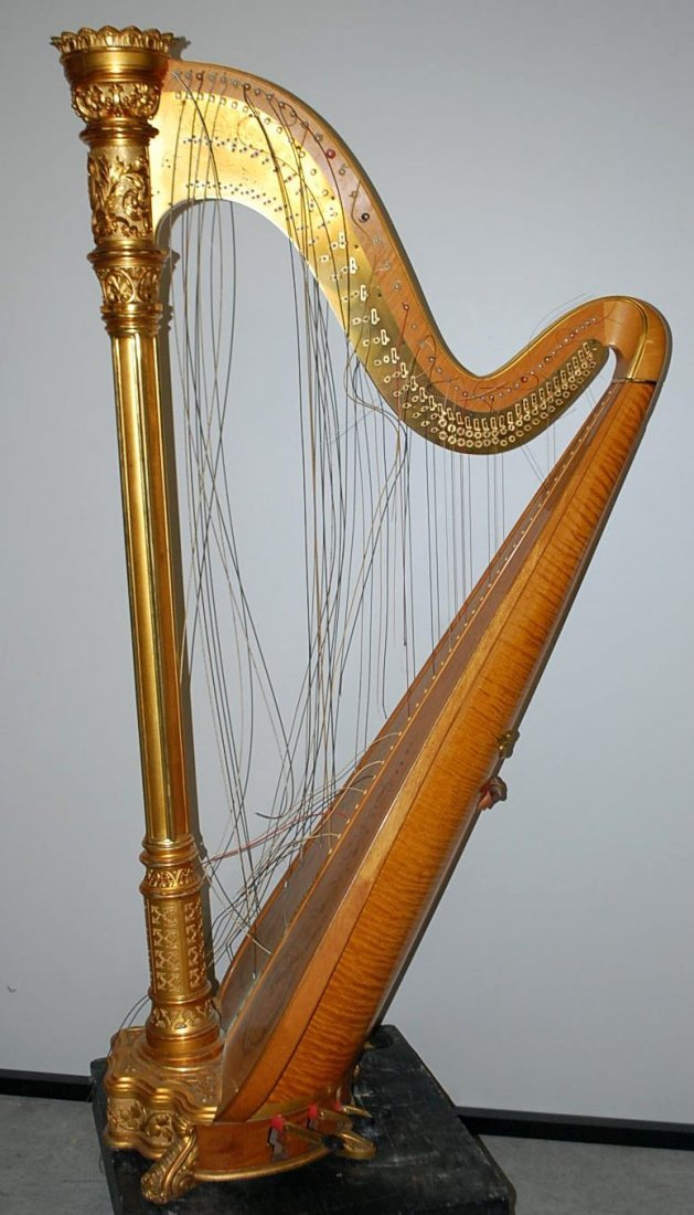 VINTAGE LYON & HEALY HARP IN ORIGINAL CASE