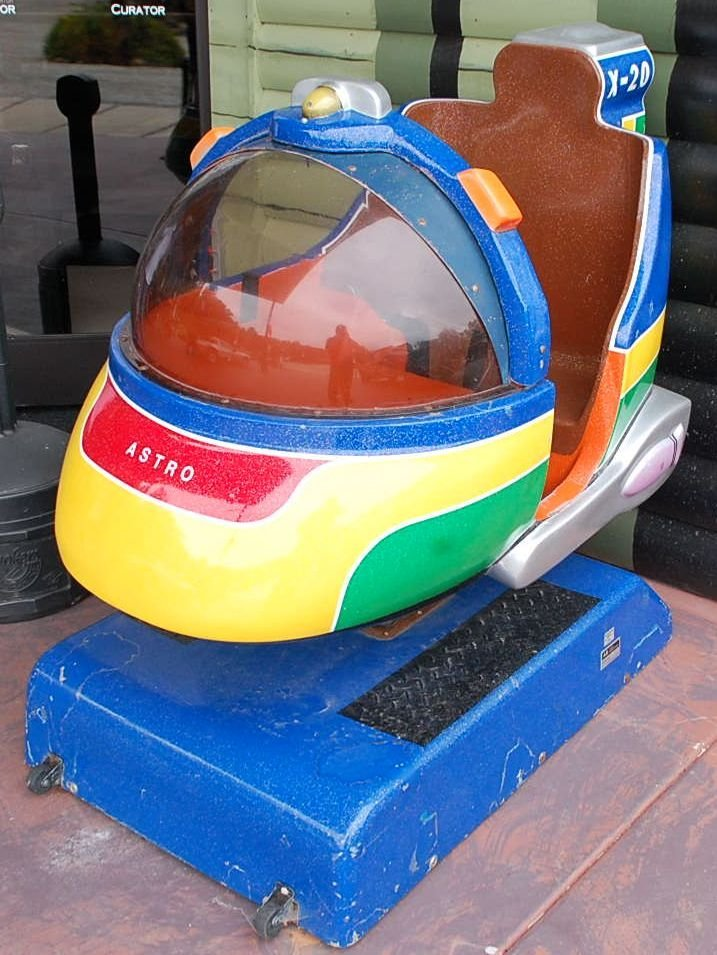 CHILDS COIN OP ASTRO X-20 RIDE
