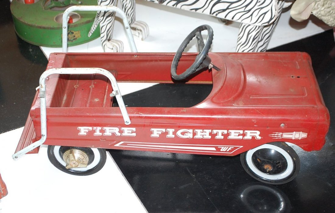 WESTERN FLYER FIRE FIGHTER PEDAL CAR