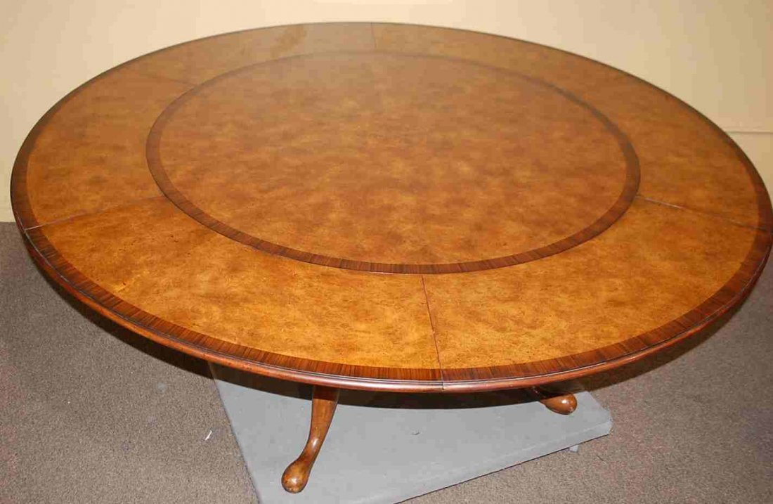 Round Horshoe Leaf Althorp Dining Table