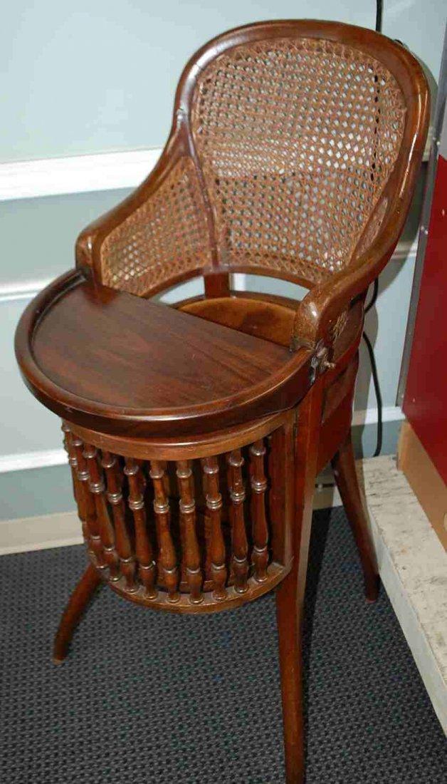 G BRS Horrix.Ce's Gravenhage Antique High Chair
