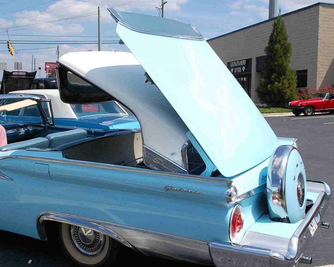 1959 FORD SKYLINER RETRACTABLE HARDTOP CONVERTIBLE - 8