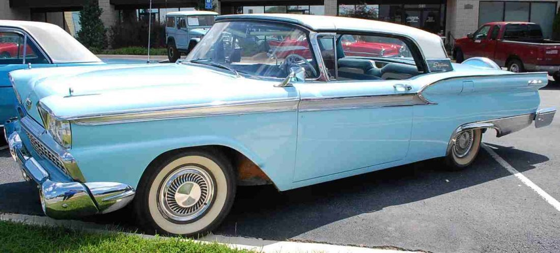 1959 FORD SKYLINER RETRACTABLE HARDTOP CONVERTIBLE - 9