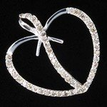 1075: 1.5 ctw Diamond 10K White Gold Heart Pendant