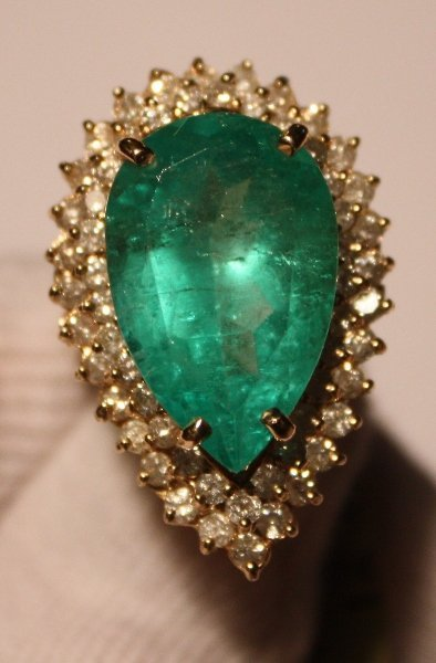 119: Emerald & Diamond Ring - 11+ct Emerald / 1.8ctw Di