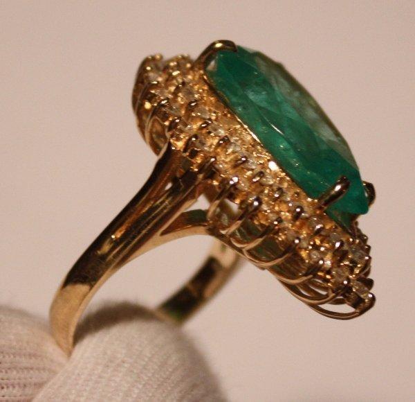 119: Emerald & Diamond Ring - 11+ct Emerald / 1.8ctw Di - 2