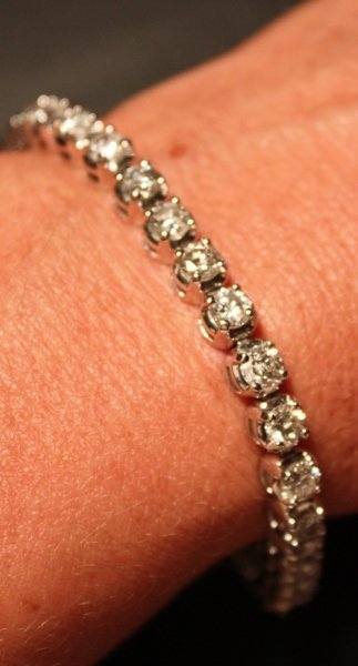 151: 9.59 Carat Total Weight Diamond Tennis Bracelet - 2