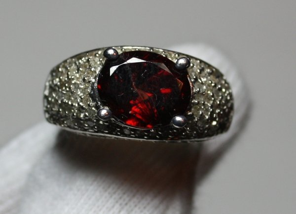 19: Garnet & Diamond Ring - 2ct Garnet w/ 1.02ctw Diam.