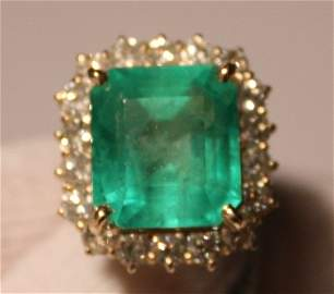 263: Emerald & Dia Ring - 12.27ct Emerald / 2.33ctw Dia