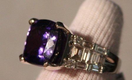 87: Tanzanite & Diamond Ring - 11+ct Tanz. w/ 1+ctw Dia