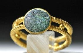 Roman 18K Gold Ring with Glass Intaglio