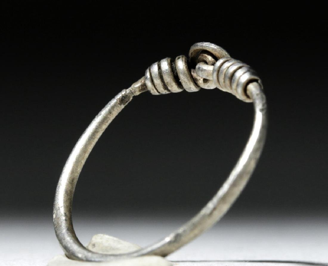 Delicate Viking Woman's Silver Ring - 3