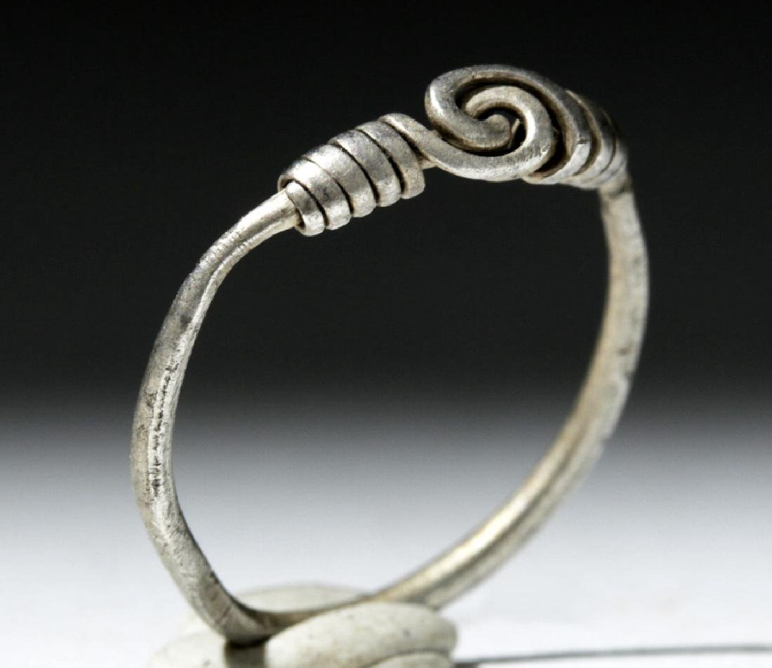 Delicate Viking Woman's Silver Ring - 4