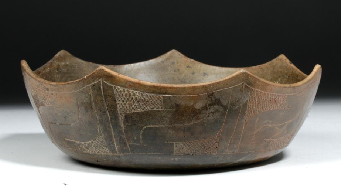 Rare Paracas Incised Bowl w/ Scalloped Edges