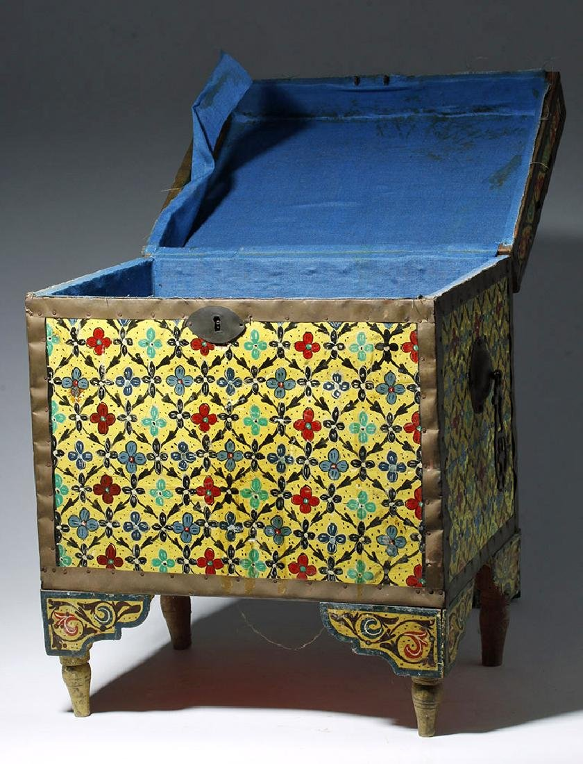 20th C. Latin American Painted Wood Trunk - 5