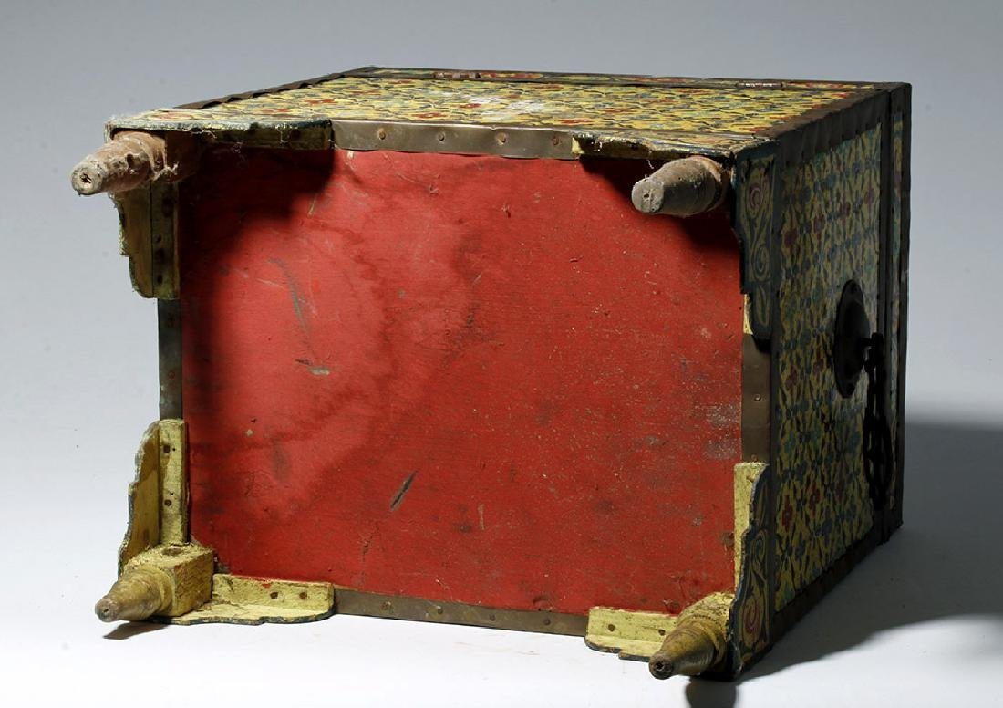 20th C. Latin American Painted Wood Trunk - 8