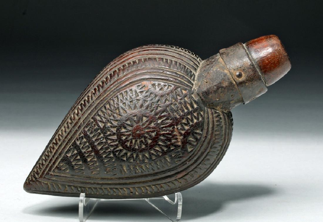 Rare 18th C. Spanish Colonial Mexican Powder Flask - 2