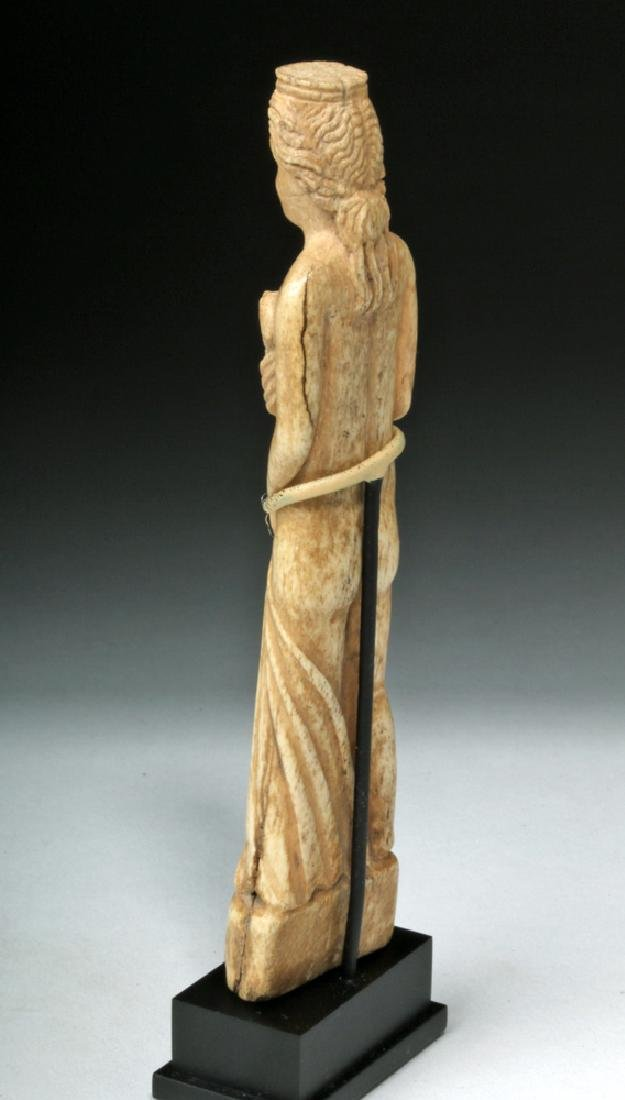 Beautiful Roman Bone Statuette of Venus - 3