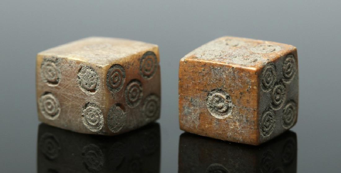 Pair of Roman Bone Dice - 3