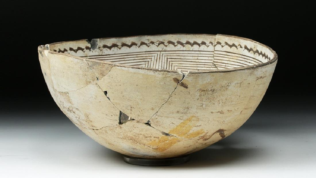 Large Mimbres Black-on-White Pottery Bowl - 2