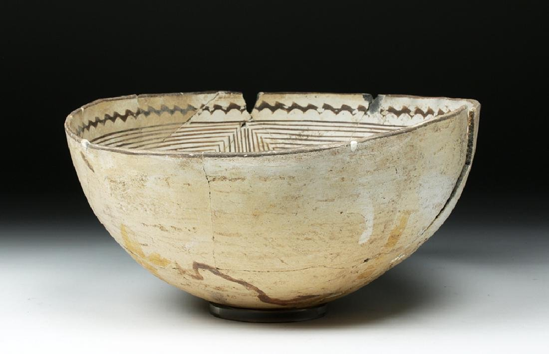 Large Mimbres Black-on-White Pottery Bowl - 3