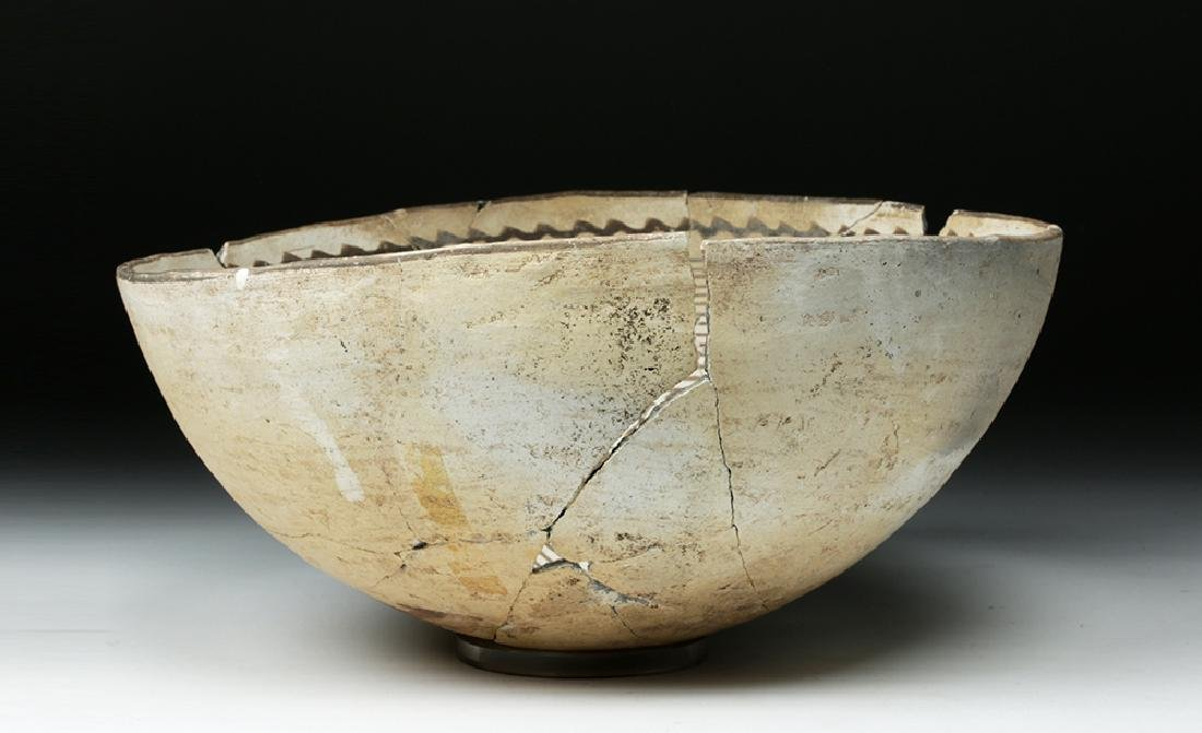 Large Mimbres Black-on-White Pottery Bowl - 4
