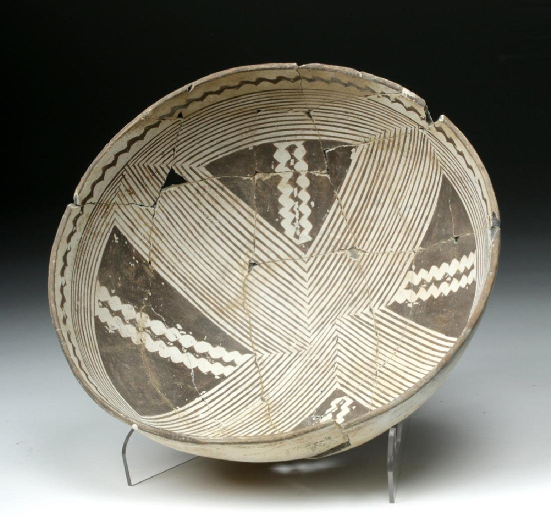 Large Mimbres Black-on-White Pottery Bowl - 5