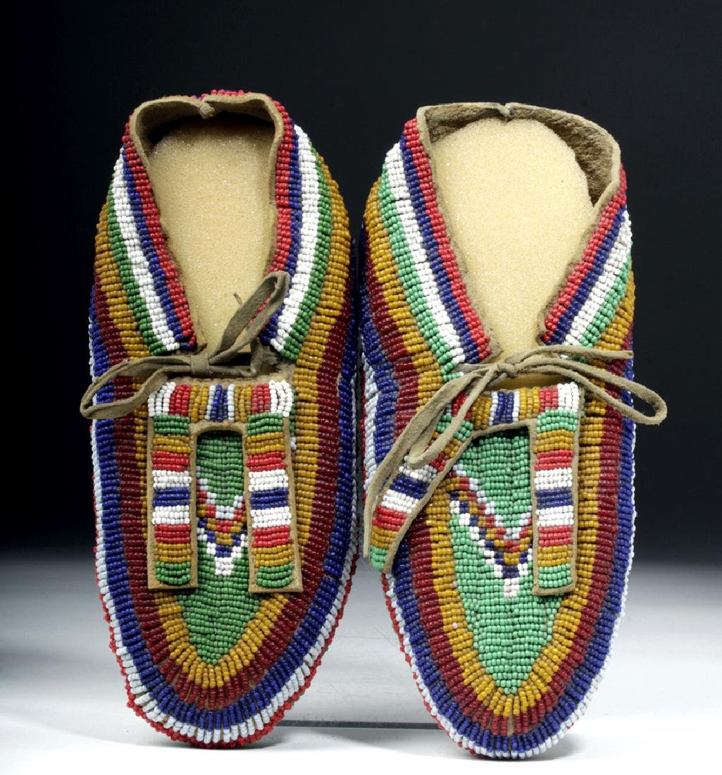 Early 20th C. Plains Indian Leather & Bead Moccasins