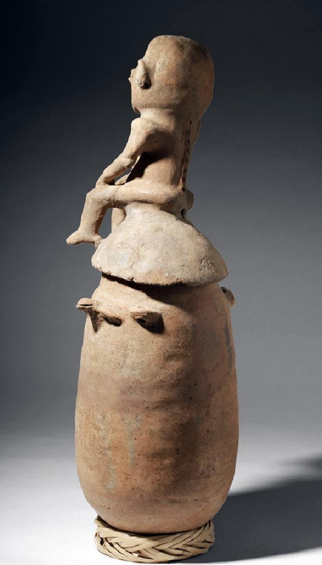 Large Rio Magdalena Pottery Urn - Seated Female Lid - 3