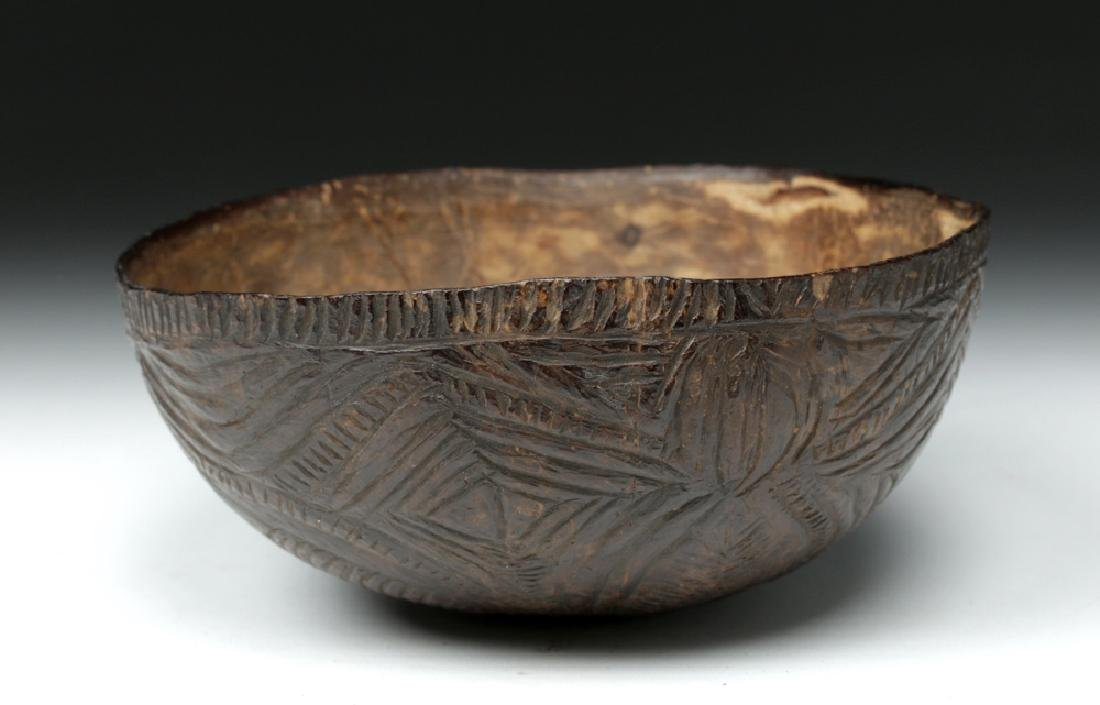 19th C. South Pacific Carved Coconut Bowl - 8