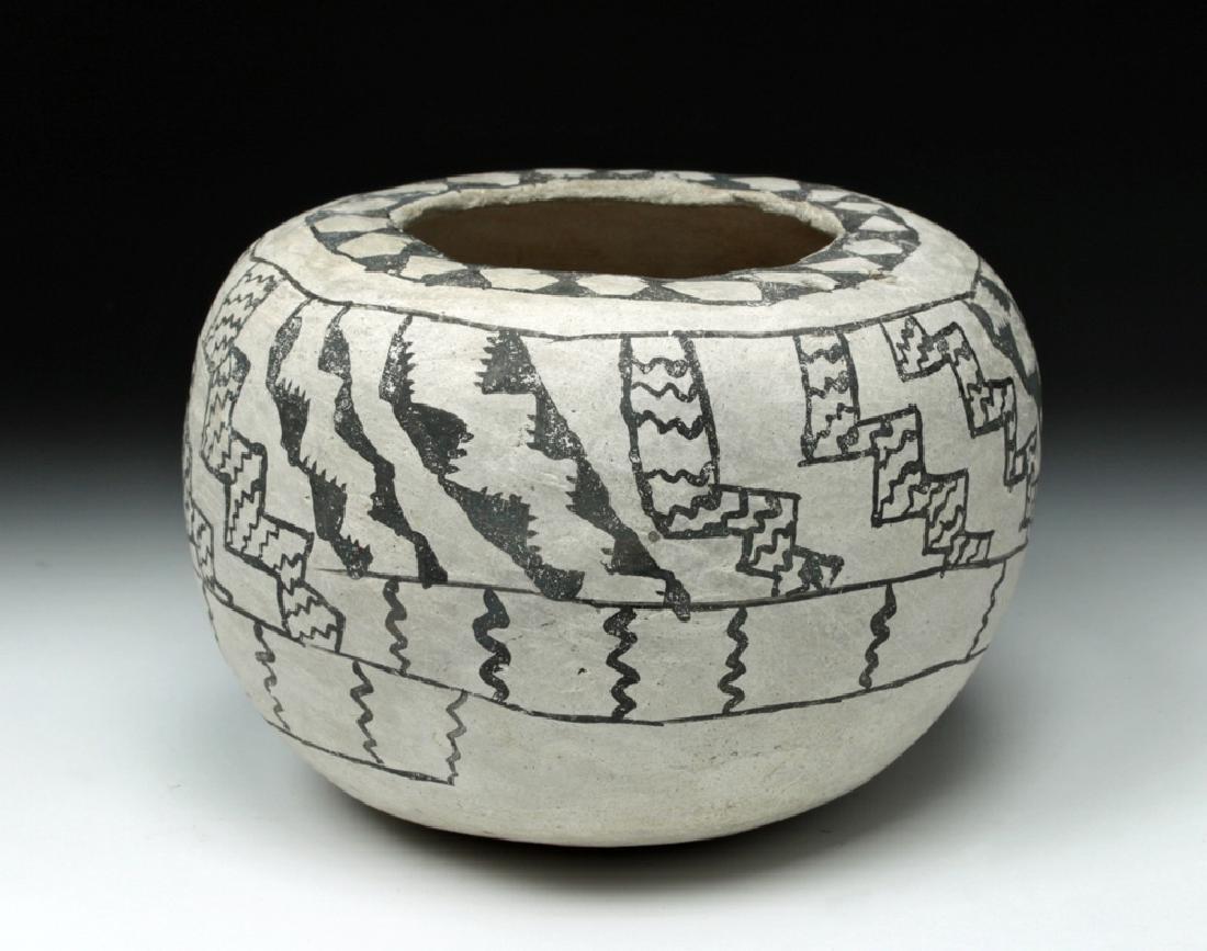 Prehistoric Anasazi Kana'a Black on White Seed Bowl