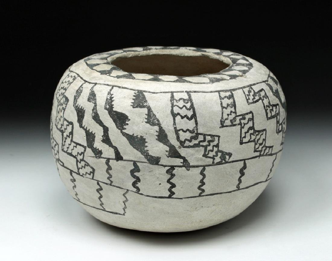 Prehistoric Anasazi Kana'a Black on White Seed Bowl