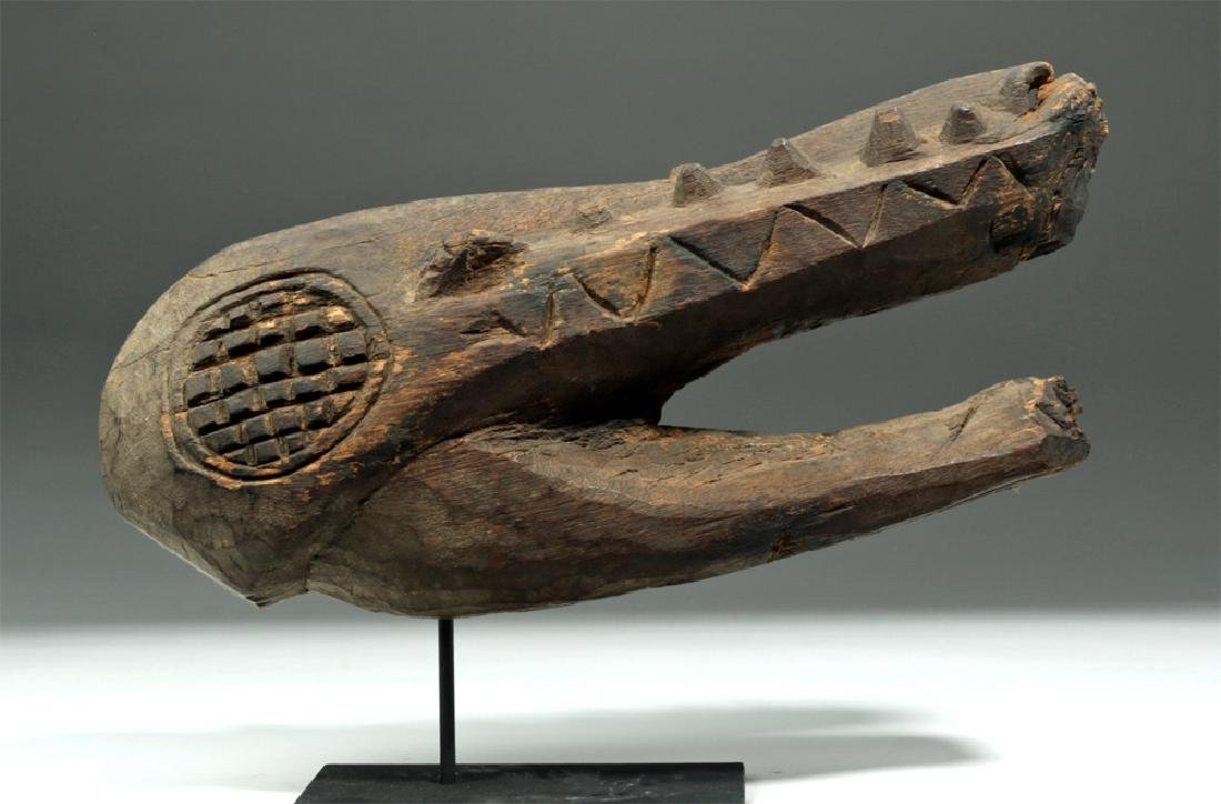 Early 20th C. Papua New Guinea Wood Carving - Crocodile