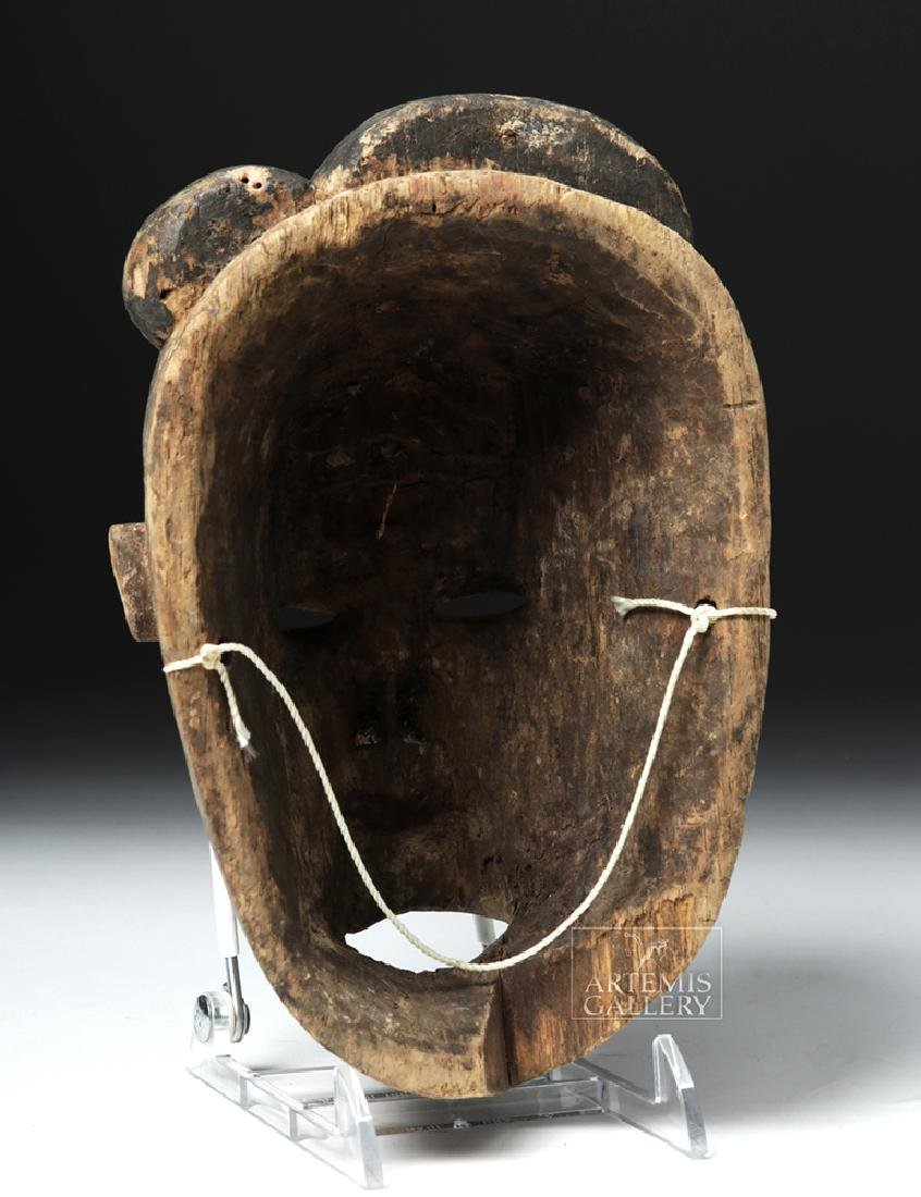 Early 20th C. Nigerian Ogoni Wood Mask - 4