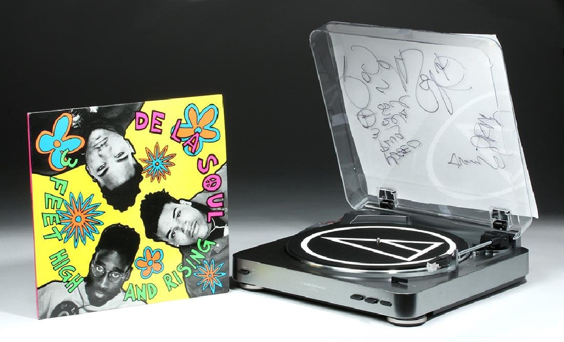 De La Soul Signed AudioTechnica Turntable & Album