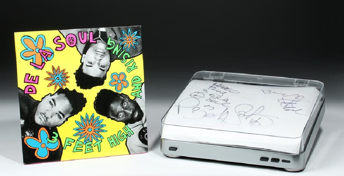 De La Soul Signed AudioTechnica Turntable & Album - 2