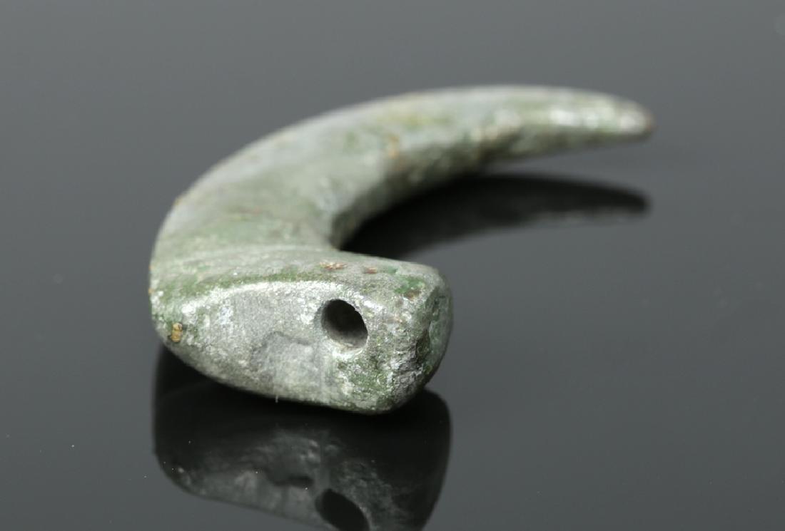 Rare Proto-Viking White Bronze Claw Pendant - 3