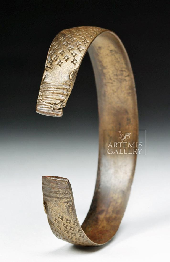 Very Fine Decorated Viking White Bronze Bracelet - 2