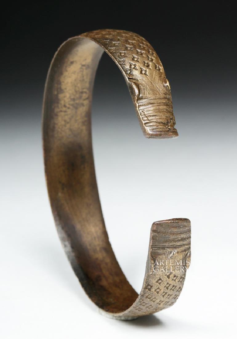 Very Fine Decorated Viking White Bronze Bracelet - 4