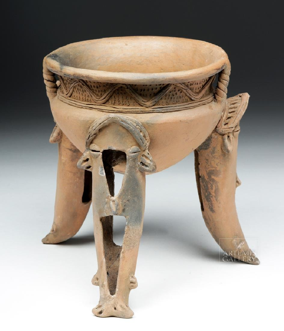 Wonderful Costa Rican Tripod Vessel w/ Whale Legs - 2