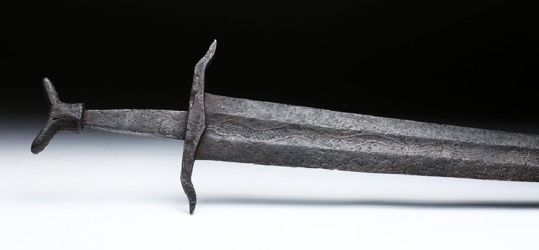 Royal Family Medieval Iron Sword, Oakeshott Type XIV