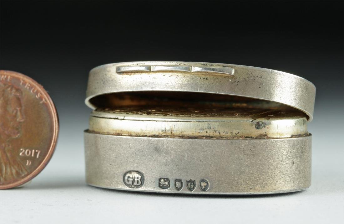 19th C. Victorian Silver Snuff Box w/ Agate Intaglio - 2