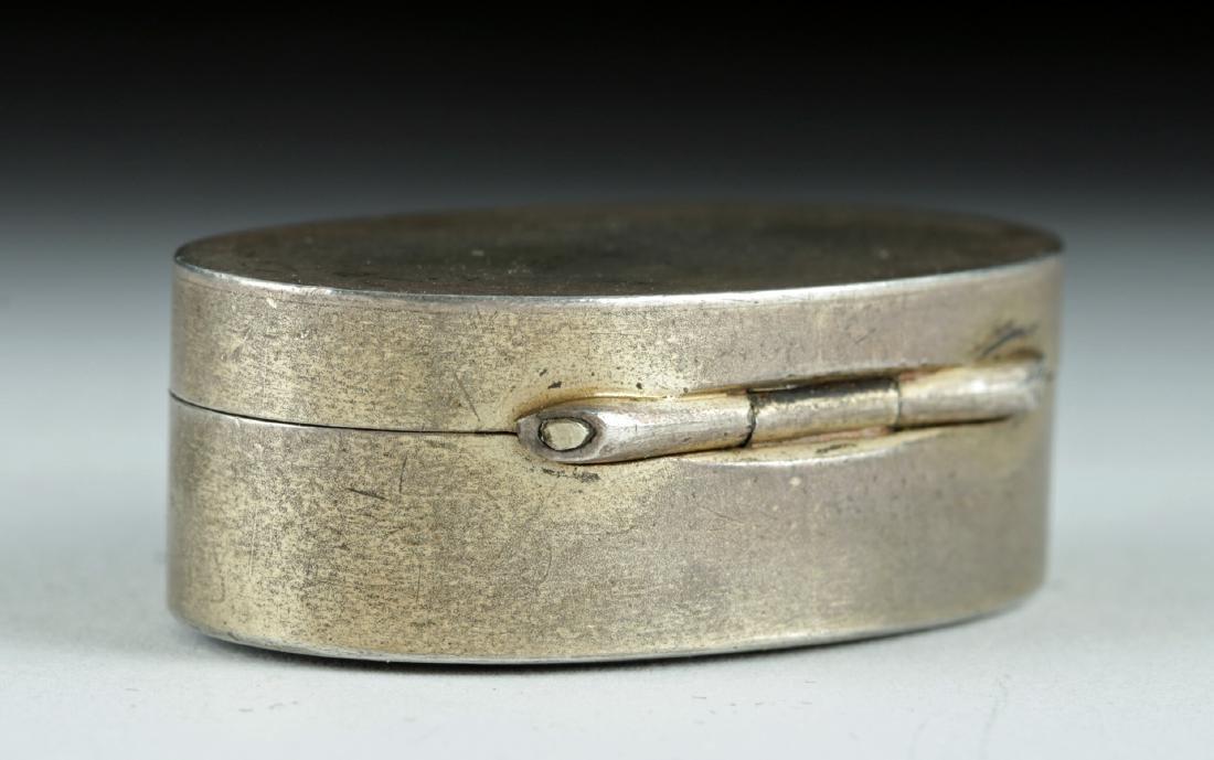 19th C. Victorian Silver Snuff Box w/ Agate Intaglio - 3