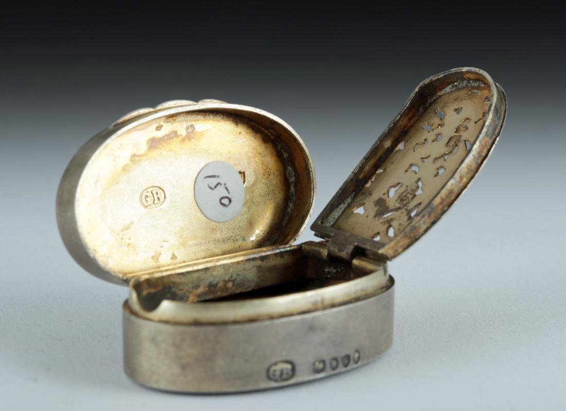 19th C. Victorian Silver Snuff Box w/ Agate Intaglio - 5