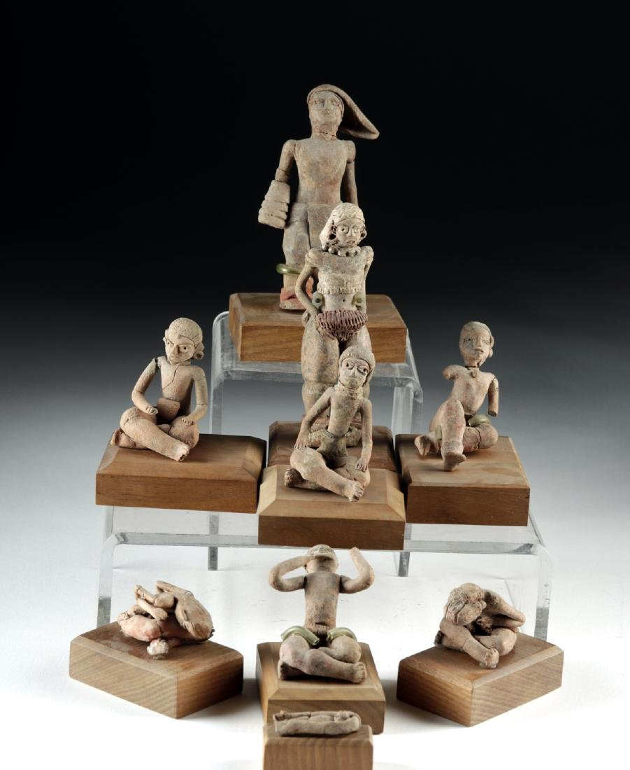 Rare Collection of 27 Xochipala Pottery Figures - 6