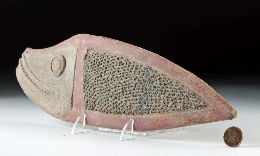 Attractive La Tolita Pottery & Stone Fish Grater - 3